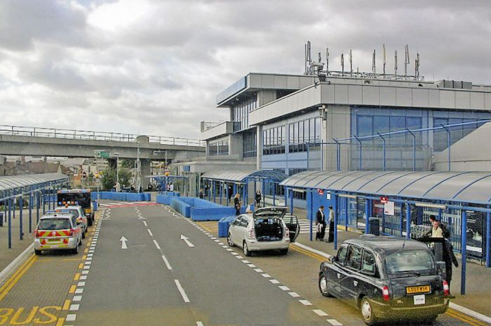 London_City_Airport_station